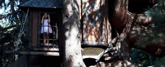 casa sull'albero parco giochi