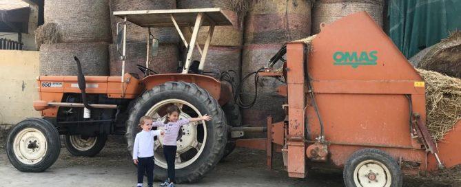 bambini con trattore ristorante bergamo