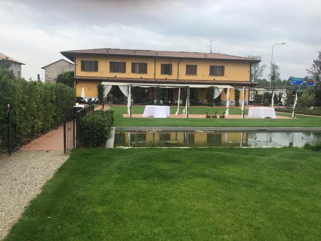 Agriturismi con piscina vicino a Milano