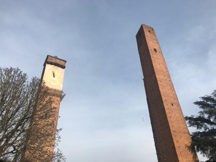 Pavia_con_bambini_torri