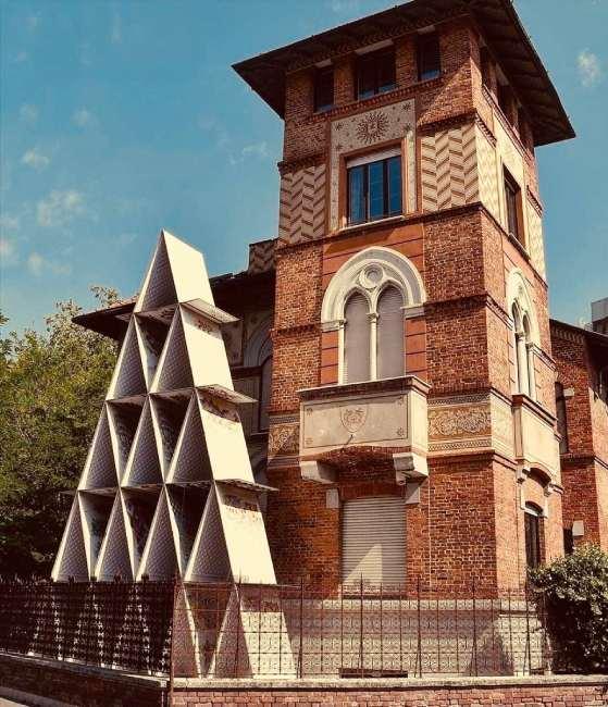 casa_di_carte_curiosità_milano