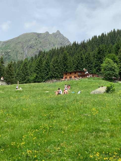 prato del rifugio Alpe Corte