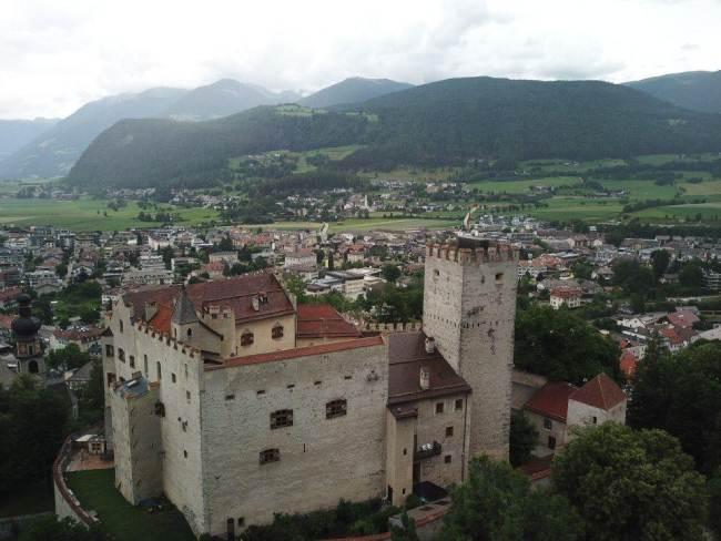 castello di brunico paesaggio