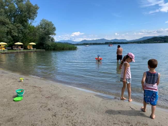 spiaggia del camping village lago maggiore